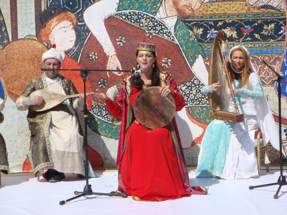 (English) In the heart of the world, at the crossroads between Europe and Asia, AZERBAIJAN is preparing for an autumn full of cultural events and festivals worthy of a season to be experienced